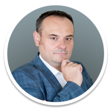 Trener Jacek Pyssa